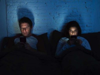 How to break your mobile phone addiction